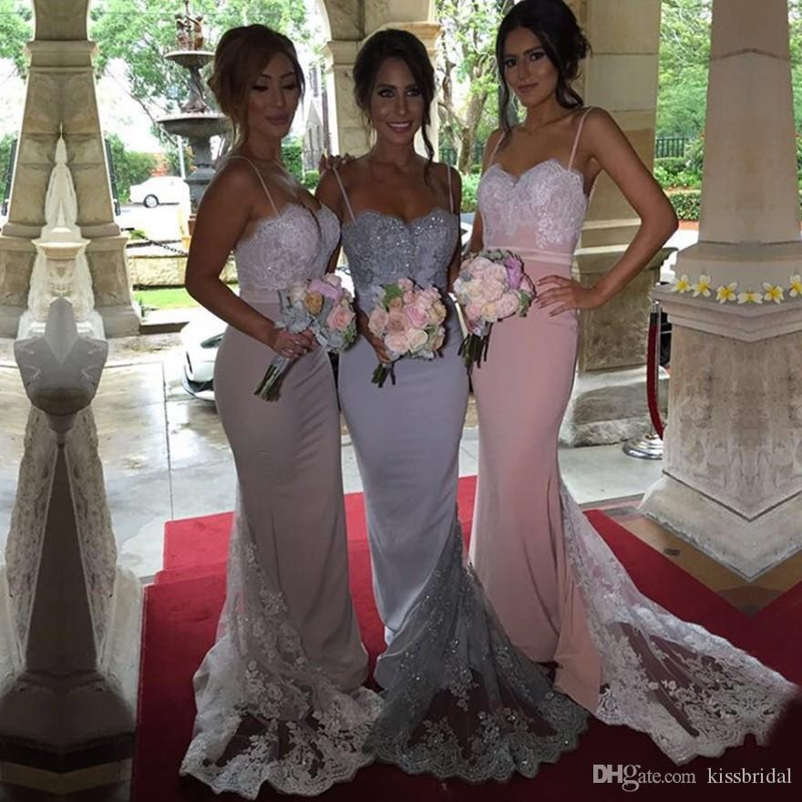 Billiga Bridesmaid Dresses Spaghetti Straps Sweetheart Sequined Lace Bodice Custom Long Sheath Silver Maid of Honor Dress Evening Gowns