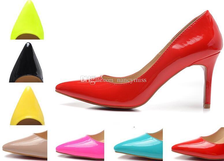 Die Pumps der Damen-nackten Lackleder-Spitzschuh-Frauen, 80 mm Designer-Luxusschuhe mit roten Absätzen für Frauen, die Schuhe heiraten