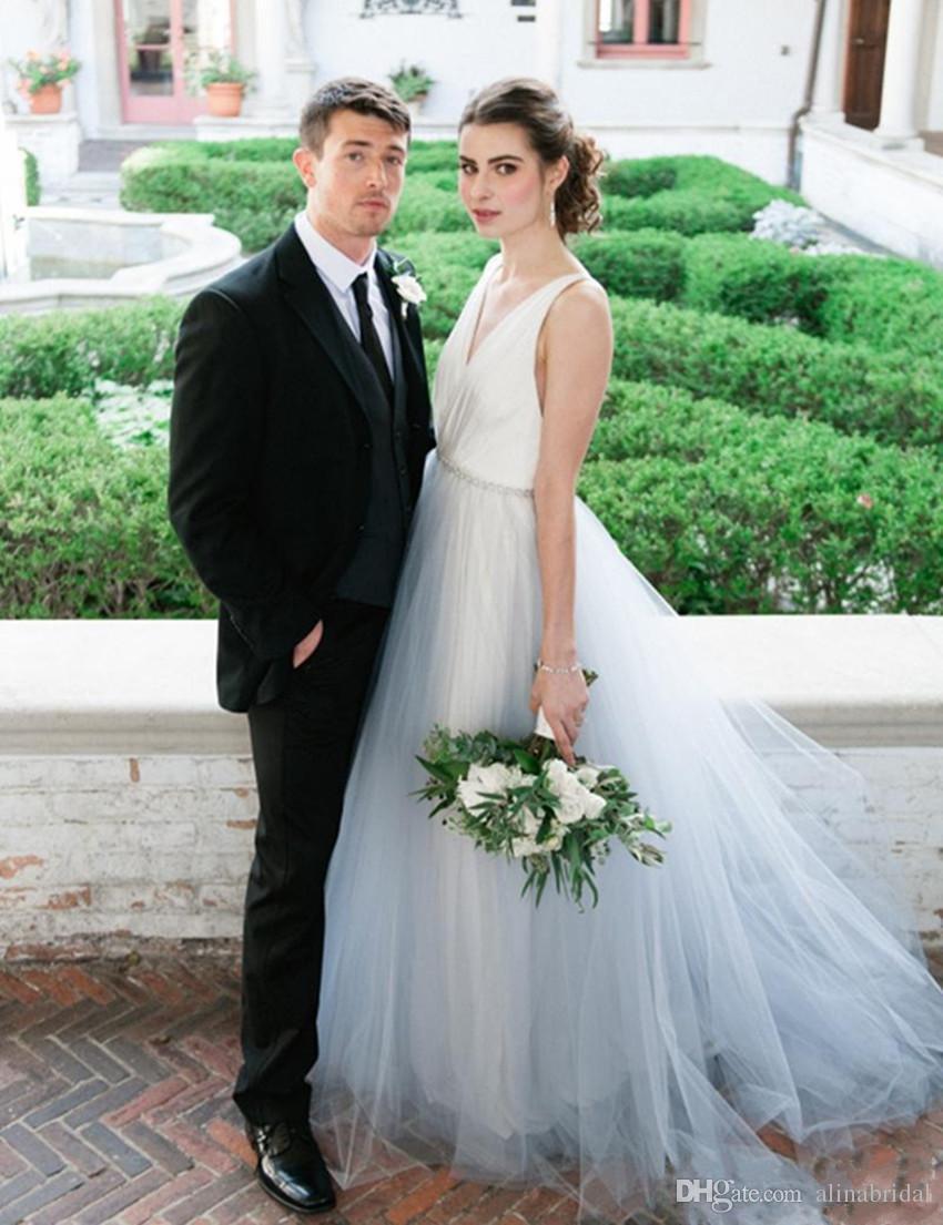 Сексуальная спинки свадебные платья с V-образным вырезом линия оборками свадебное платье на заказ белый и голубь серый пляж Vestidos де Novia