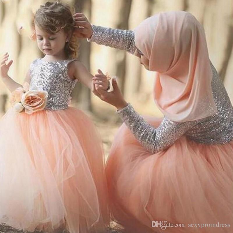 Arabie Saoudite Paillettes À Manches Longues Robes De Bal Argent Et Pêche Rose Robes De Soirée Dubaï Femmes Pas Cher Partie Formelle Robes Sur Mesure