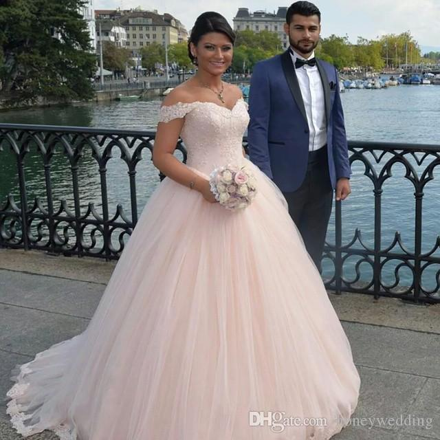 Elegant Light Pink Wedding Dresses Cheap Off Shoulder Lace Appliques Ruched Tulle Dubai Fashion Custom Plus Size Wedding Gowns