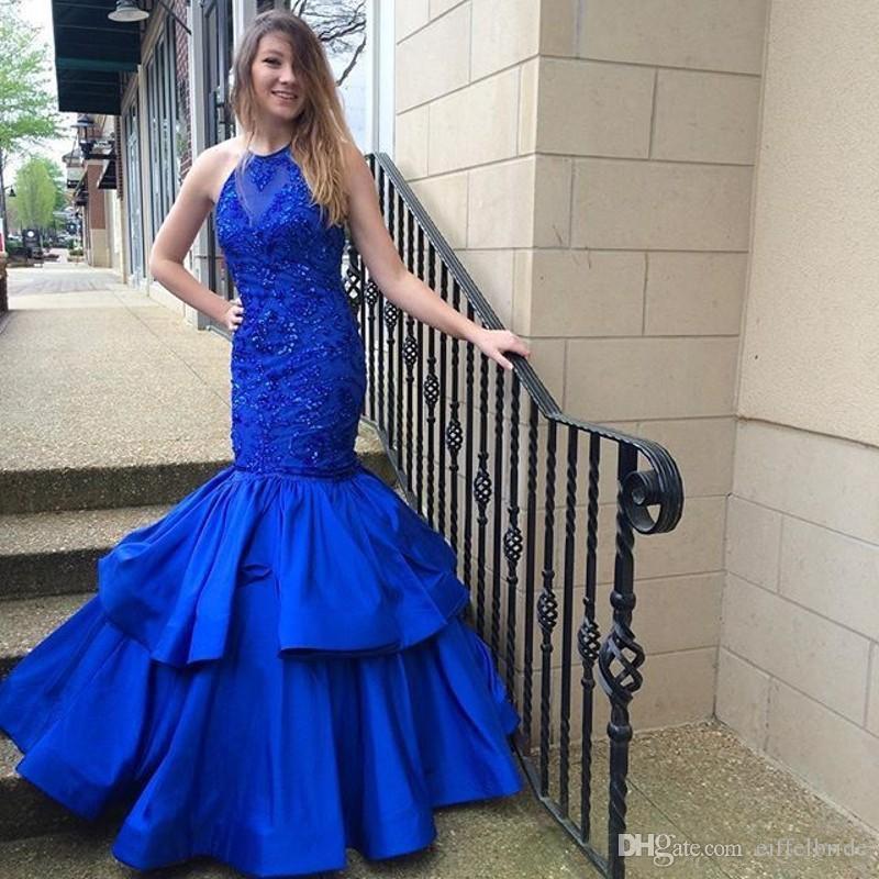 Moda 2017 Prom Dresses Sexy Bling in rilievo di cristallo Sheer pizzo applique halter elegante blu royal sirena a file abiti da sera formale del partito