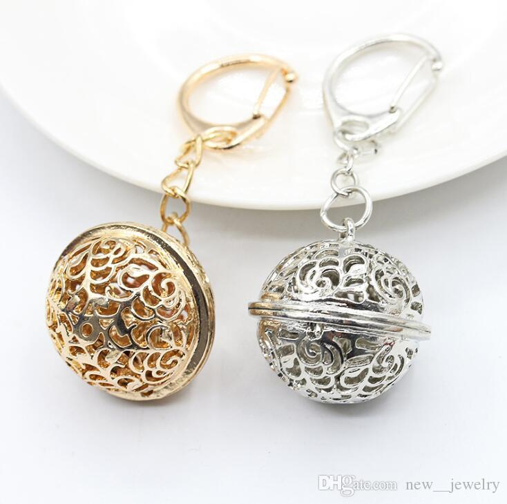 Luxury Gold Silver Hollow Ball Keychain Big Size Jingle Bell Keyrings Hollow Flower Alloy Key Rings Jewelry Accessories Christmas Gift