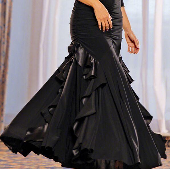 Las nuevas mujeres de la llegada se visten para el baile de salón Lady Tango / Jazz / Waltz Vestido de baile de salón Desgaste Rendimiento / Práctica Faldas