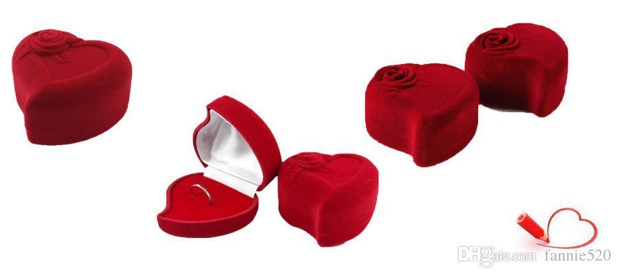 Caja de joyería en forma de corazón Caja de anillo Caja de pendiente Caja de flocado Embalaje de regalo Envoltura de favores de boda Caja de presentación Embalaje de joyería