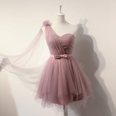 Une épaule douce Tulle robes de demoiselle d'honneur à court avec robe de bal de mariage robe de bal