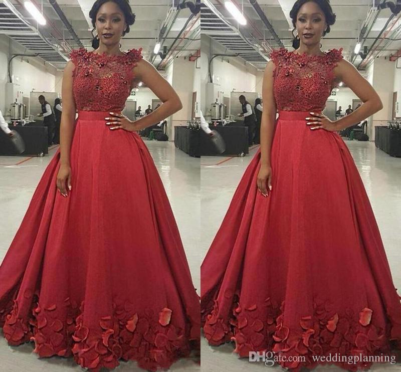 2017 Spécial Bourgogne Robes De Bal Illusion Jewel Cou Dentelle Perlée Appliques Floral Rose Fleurs Robe De Soirée Longue Fête Robes
