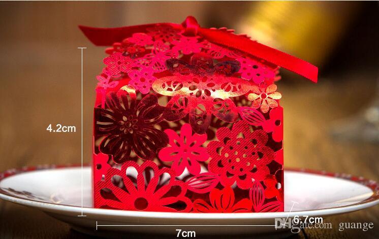 Großhandel 100 Stücke Chinesische Rote Hochzeit Pralinenschachtel Heiße Laser Cut Süßigkeiten Geschenk Boxen Europäischen Kreative Pralinenschachtel