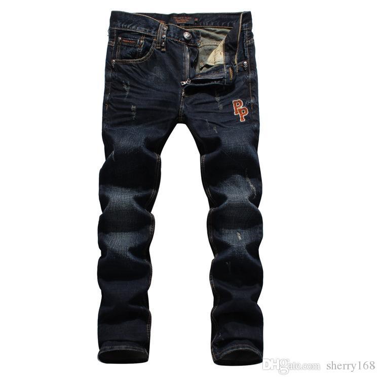 2016 Original Grueso Recto Jeans sueltos Azul Oscuro Negro Algodón Denim Jeans Hombre cabeza del cráneo Bordado Marea Hombre Jeans Impreso marea hombres Jean