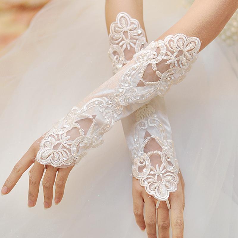 2021 Красивые свадебные перчатки белые безвкусовые кружева аппликация жемчуга с бисером свадебные перчатки свадебные перчатки дешевые EM01467