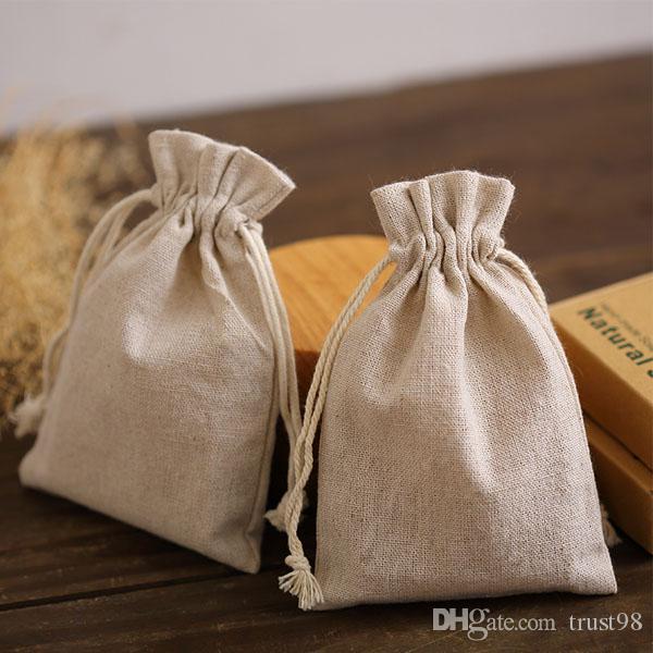 Bolsas de cordón de regalo de lino natural 8x11cm 9x12cm 10x15cm Paquete de 50 Party Saco de jabón de maquillaje de joyería Bolsas de embalaje