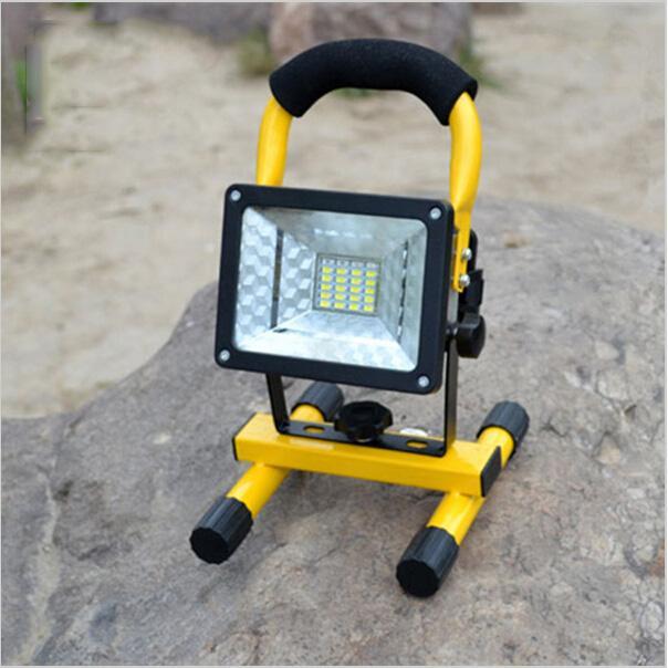 Impermeable IP65 SMD3528 24LED 5modelos 30W Luz de inundación LED SpotLights portátil Luz de emergencia de trabajo recargable LED al aire libre