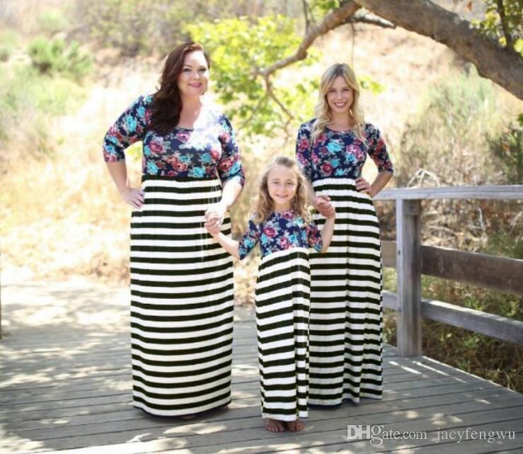 Мать дочь одежда соответствия семьи платье детская полоса печати одежда девушка длинная юбка платье детей случайный плюс размер моды QZGZ013