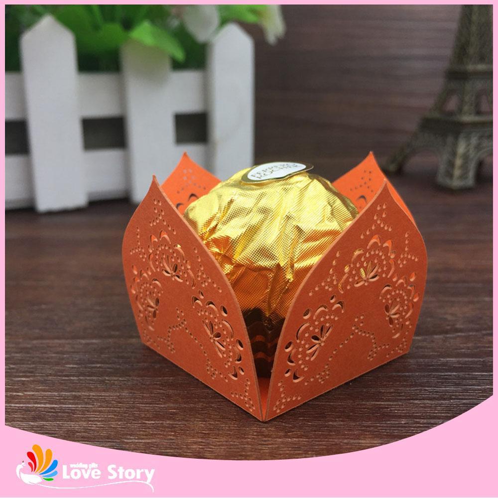 Großhandel Papier Süßigkeits Verpackungs Blumen Laser Schnitt Schokoladen Verpacken Stangen Partei Dekoration Hochzeits Bevorzugung Und Geschenk