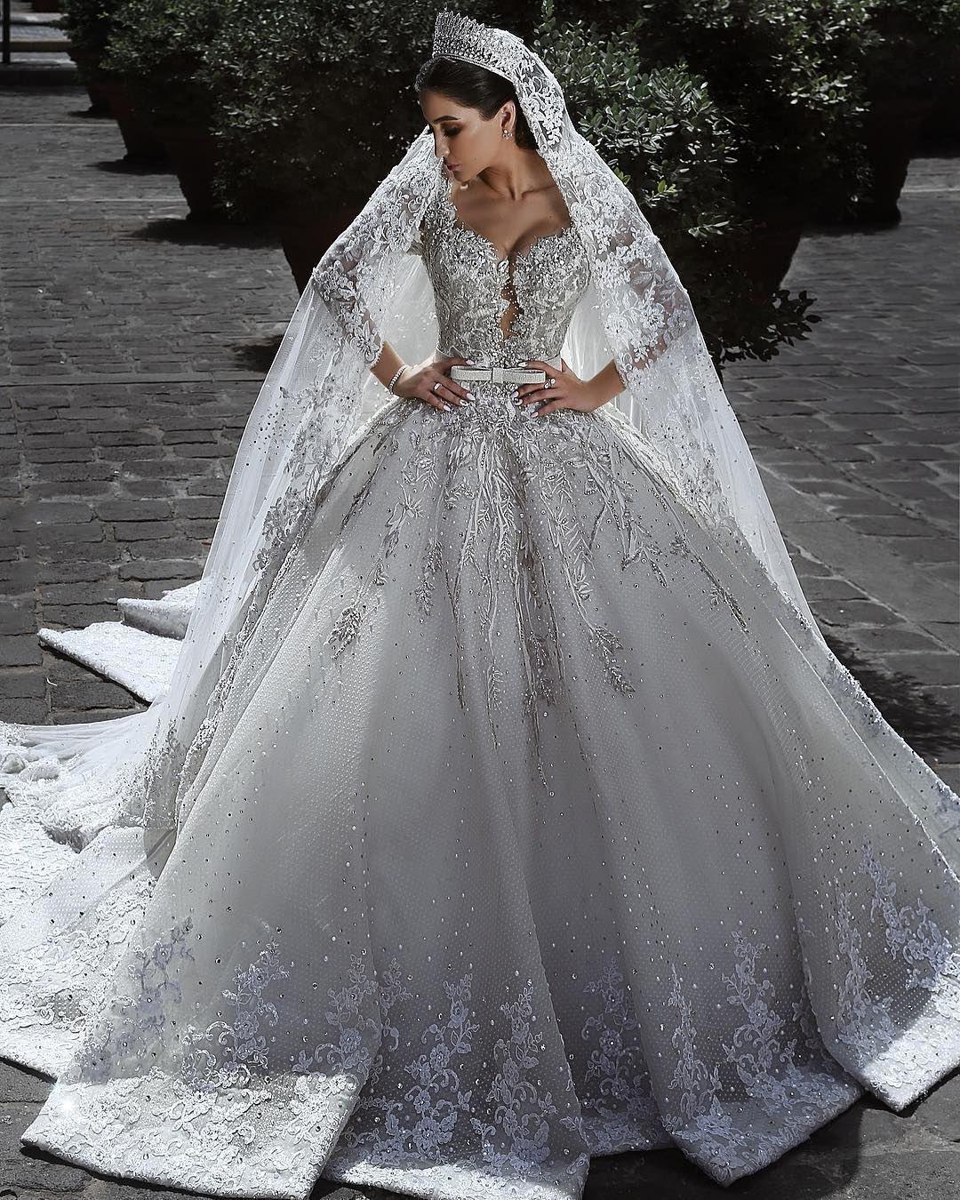 Großhandel Dubai Arabisch Spitze Brautkleider Silber Applique Kristall  Perlen Luxus Langarm Brautkleider Mit Passendem Schleier Sweep Zug  Brautkleid