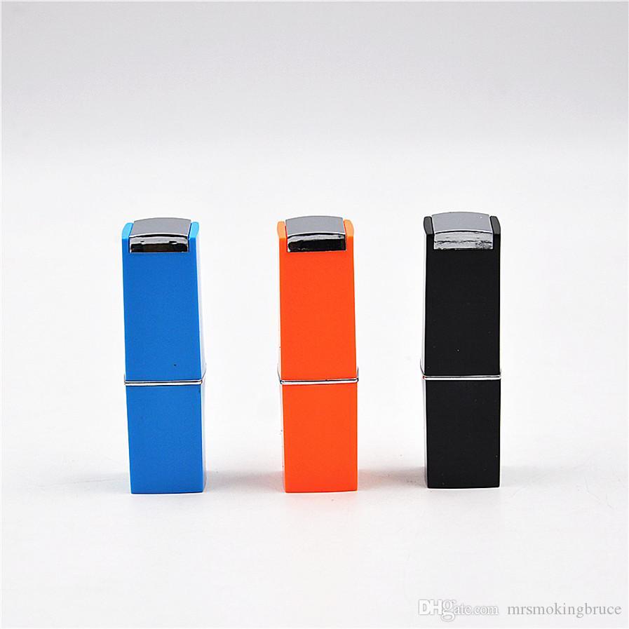 Vendita al dettaglio / all'ingrosso mini rossetto portatile pipe di fumo di tabacco tubi di tabacco con tubi di sigaretta colore magico colore casualmente nuovi arrivi