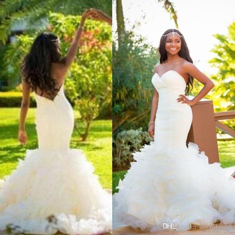 Más el tamaño de sirena al aire libre vestidos de novia sin tirantes de novia con cuentas volantes de tul sin respaldo país estilo de jardín vestidos de novia vestido