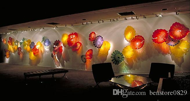 Multi Colored 100% Hand Blown Glass Wall Plates European Style Borosilicate Glass Wall Plates for Hotel Decor