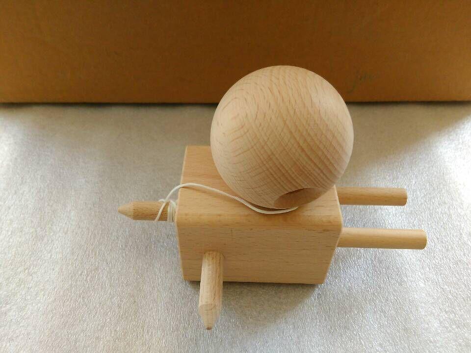 100PC caliente Nuevo llega el juguete de madera Kendama muñeca de Kendama del juguete del kendama del juguete de madera de haya libre DHL