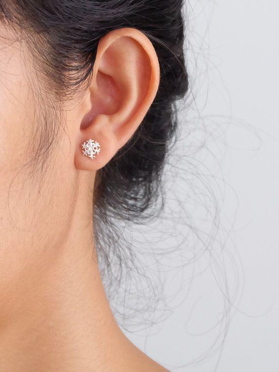 30Pair- S035 작은 눈송이 스터드 귀걸이 여성을위한 귀여운 겨울 스노우 스터드 귀걸이 크리스마스 휴일 쥬얼리 선물