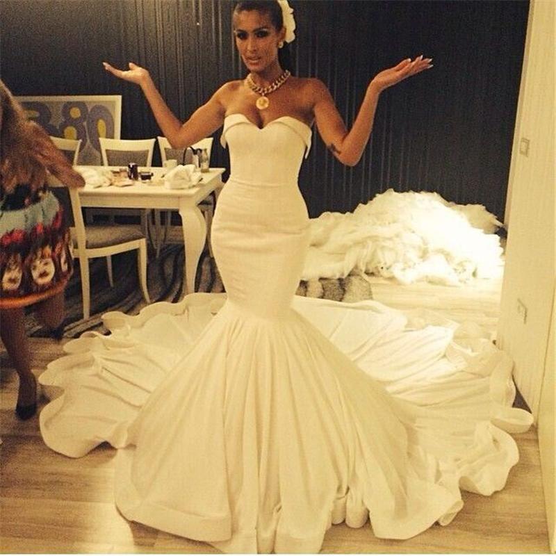 Sereia Vestidos de Casamento Longos 2016 Tribunal Train Backless Querida Ruffled Plus Size Vestidos de Noiva Do Vintage Custom Made Barato Vestido De Noiva