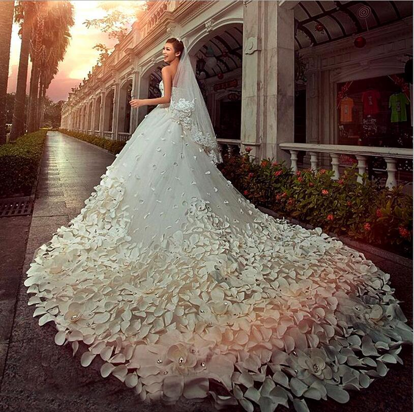 Sweetheart Beaded Bling Bling Rhinestones Applique Flower A-line Cathedral Train Pretty Bridal Gowns Vintage Wedding Dresses BD016