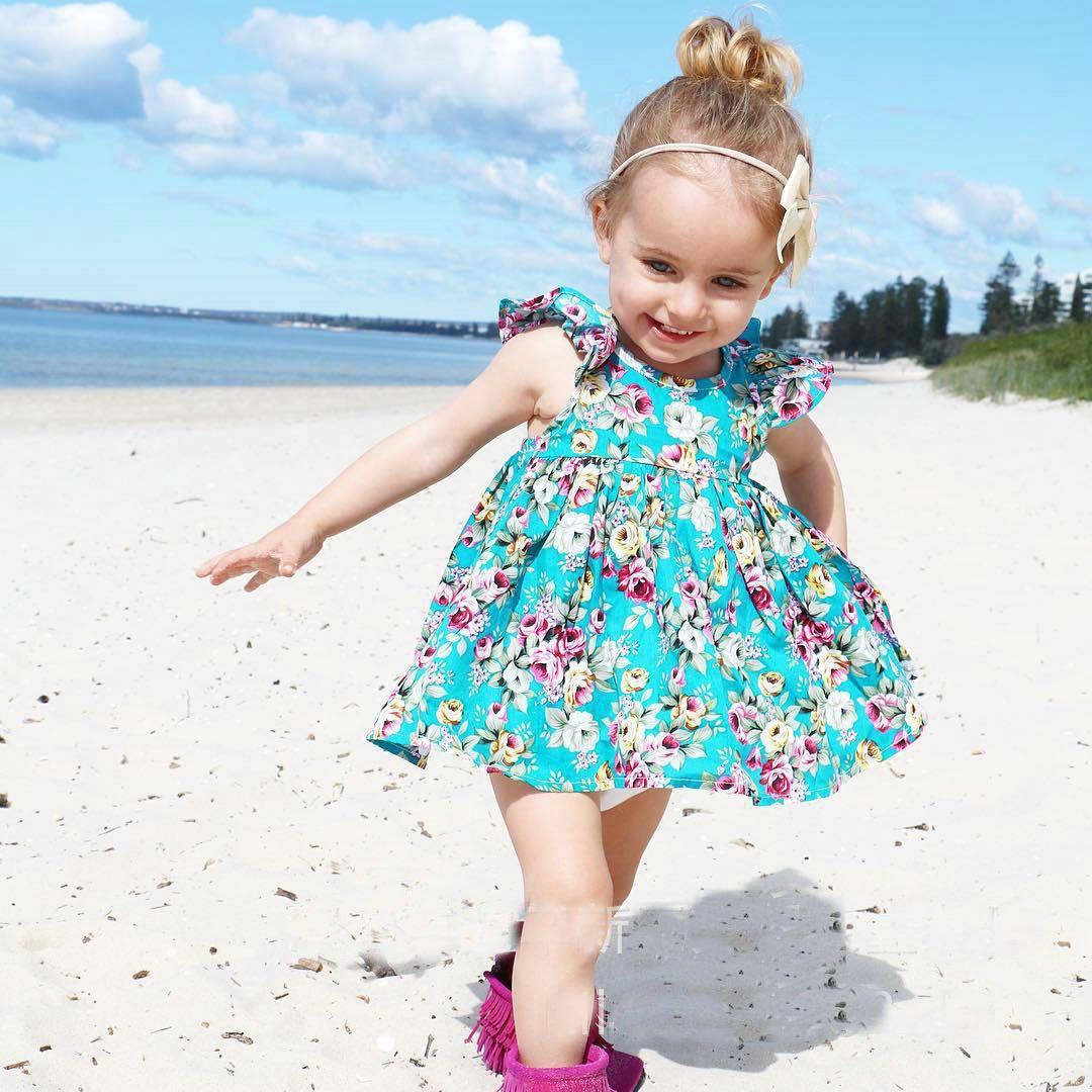Varejo Do Bebê Meninas Vestidos Florais Duas Peças Set (Vestido De Algodão + roupas íntimas) Meninas vestido de praia Roupa Dos Miúdos Crianças Roupas