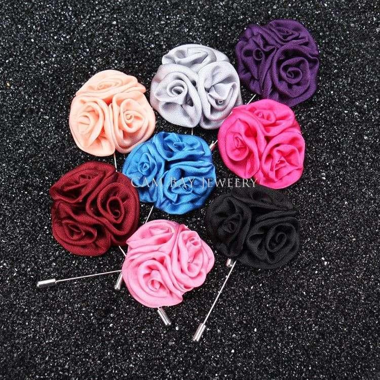 Envío gratis, 20 unids / lote, Pin de solapa de la flor color de rosa de satén hecho a mano, Pin de solapa de la flor de tela de los hombres