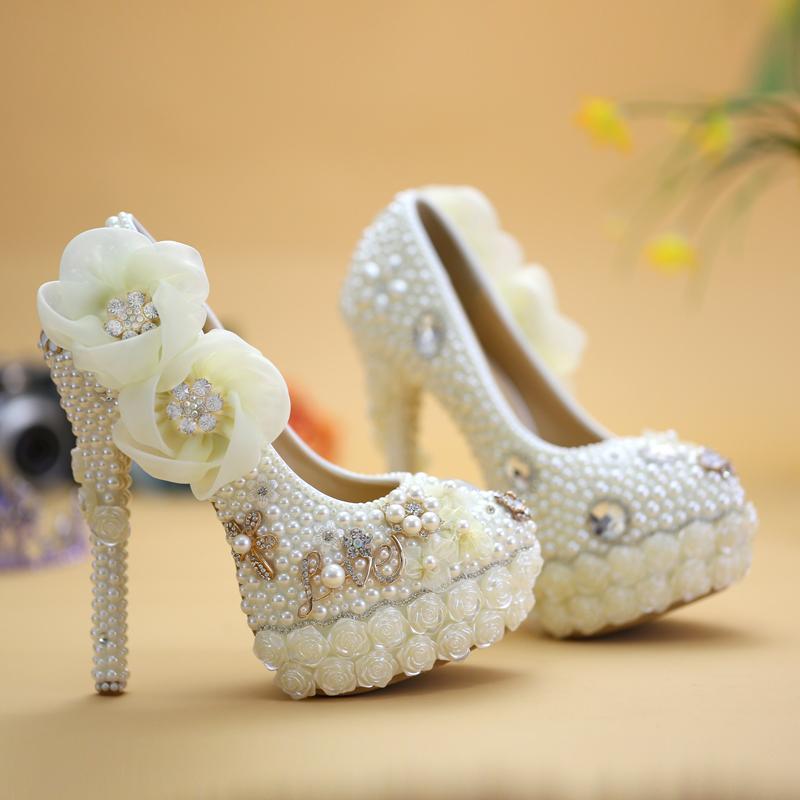 Exclusivo Novo Estilo sapatos de casamento White Pearl High Heel Wedding Plataforma nupcial Bombas de luxo Flor Diamond Rose Prom Shoes