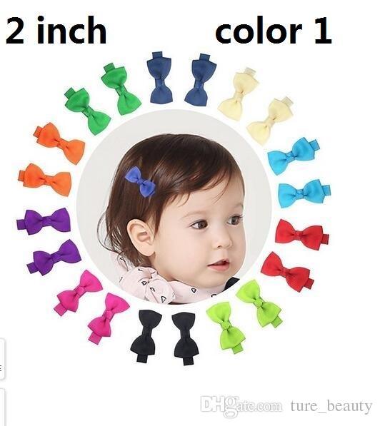 15% di sconto! 100 pz / 2 pollici Grosgrain Ribbon Mini Boutique Hair Bows Capelli nastro Clip per capelli avvolti per neonati Toddlers Bambini Barrettes 5 Stile