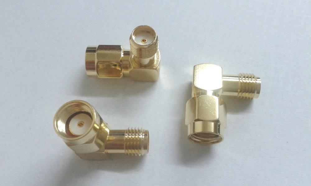 100 pz oro RP-SMA maschio a SMA femmina ad angolo retto connettore RF in rame