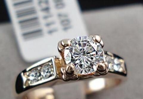 Top Venta de alta calidad 18K Rose Chapado Gold Fashion CZ Diamond Anillos de boda