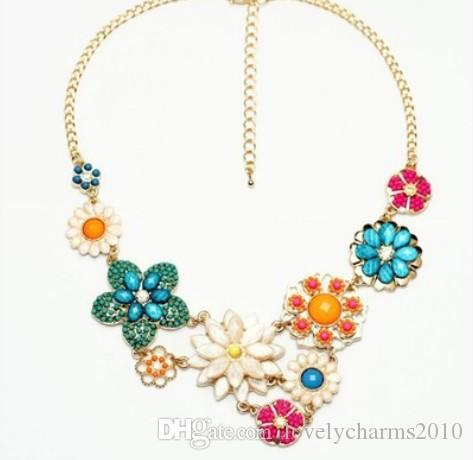 Hot Sale Vintage Elegant Flower Necklace Charm Beads Dangle Chocker Bib Statement Necklaces Jewelry for Women and Girls Christmas Gifts