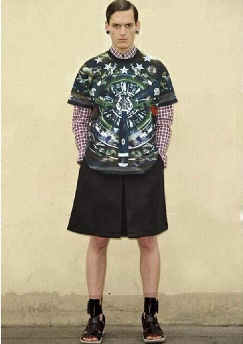 Sommer Han-Ausgabe Herrenmode Freizeit im neuen Trend der Persönlichkeitsentwicklung in kurzen Röcken Hosen / Custom
