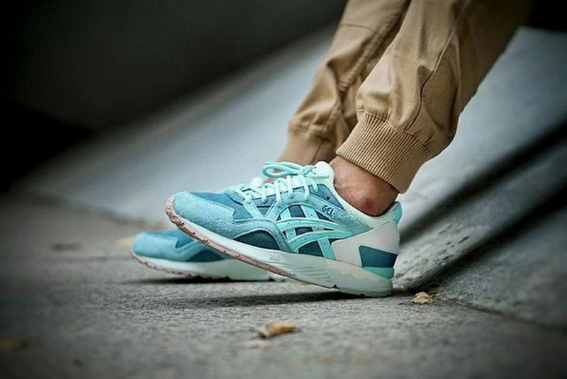 2019 RONNIE FIEG X ASICS GEL LYTE V SAGE Outdoor Running Shoes Mens And Womens Lightweight Breathable Athletic Sneakers EUR36 45 From Wegosport,