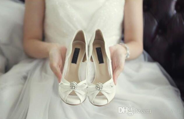 Elegante schöne Vogue Spitze und Schaffell einfache Art 10 cm High Heels Hochzeit Brautschuhe