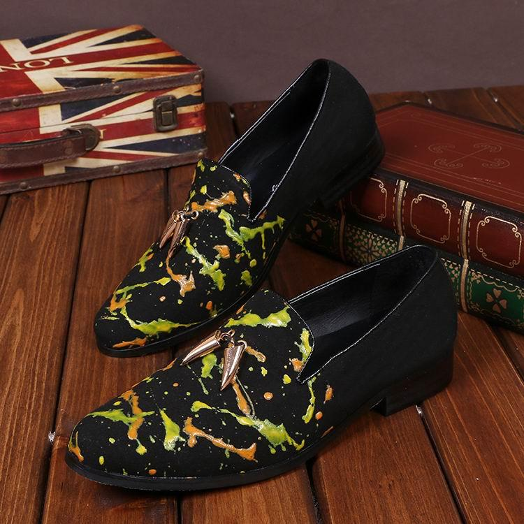 뜨거운 판매 디자이너 Mens 스웨이드 가죽 신발 패션 디자이너 낙서 껍질에 플랫 신발 남자 신발 38-46 신발에 미끄러 져