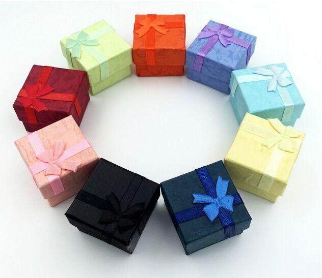 48pcs / lot 4 * 4 * 3cm Boucles d'oreilles Bagues Bijoux Cadeaux Boîtes Emballage / Emballage / Emballage Affichage Affichage Boîte Cas Bins Armoires avec Bowknot