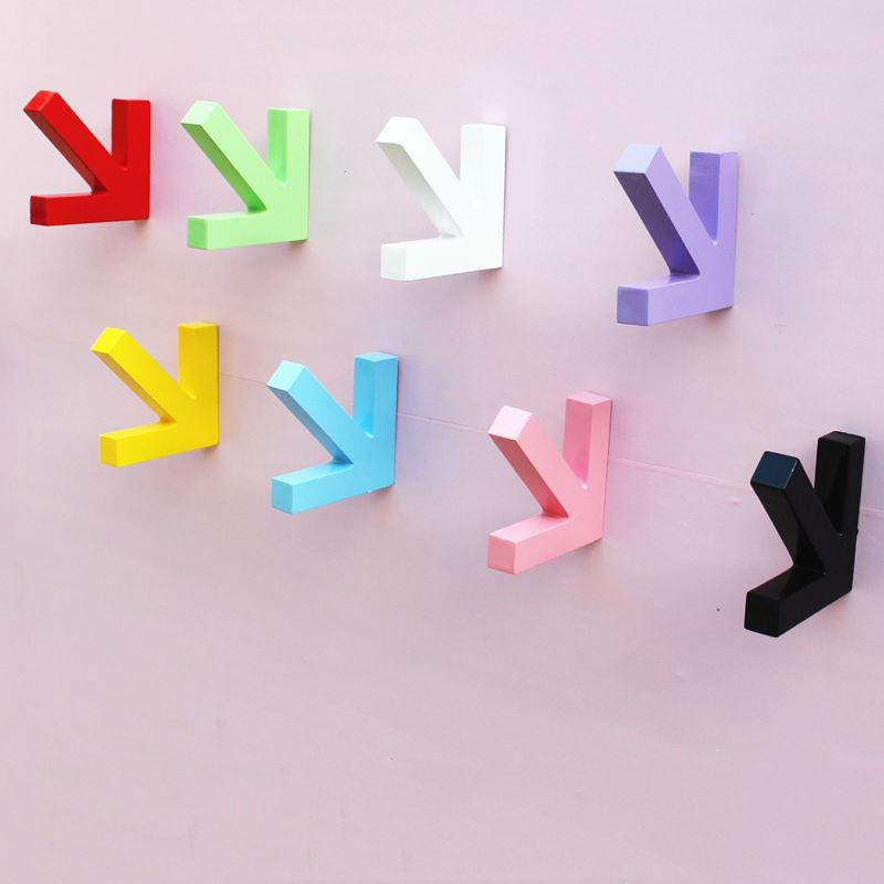 Wholesale- Urijk Colorful Creative Arrow Wall Mounted Color Painting Wood Hook Hanger Hat Coat Door Clothes Rack For Home Decoration
