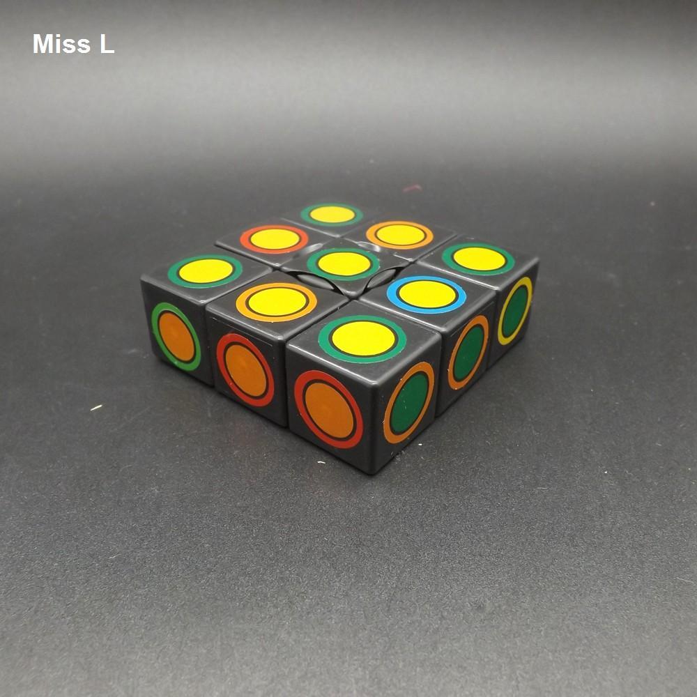 1x3x3 Cube Magic Cube Noir, Intéressant IQ Jeux de Mind Jeux Brain Teaser Puzzle Cube 1 Cerveau Cerveau Teaser IQ Jeux Jeux Jouet Jouet Prop