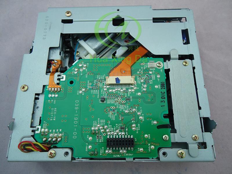Envío gratis Clarion cargador de CD solo KSS-710A mecanismo de láser para PU-2354A VOLKSWAGEN Jetta Passat Automóvil genuino AM Radio FM coche estéreo