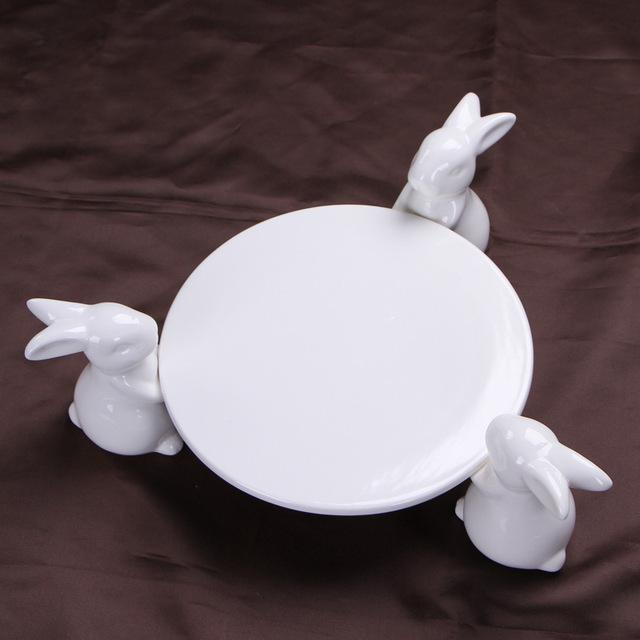 Creative Ceramics Rabbit Cake Plate Stand Decorative Porcelain Bunny Statue Fruits Plate Dinnerware Ornament Gift and Craft