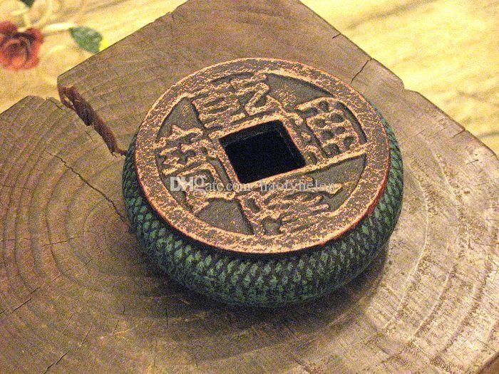 2 Pieces Round Ancient Cast Iron Ashtray Metal Chinese Old Coins Shape Cigarette Ash Receiver Holder Bronze Dark Green Table Desk Decor Gift