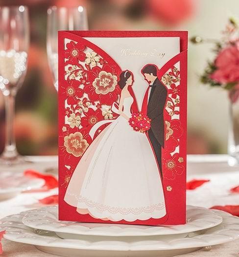결혼식 초대장 카드 유럽 스타일 InvitaItons 종이 카드 행복 한 신부 신랑 접힌 카드 봉투와 인감 도매