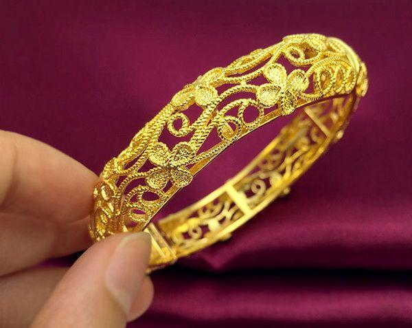 2017 Fashion Hollow Out Un Braccialetto placcato oro trifoglio 24k, sposa sposata Arrivo 24k oro piene piene gioielli per le donne