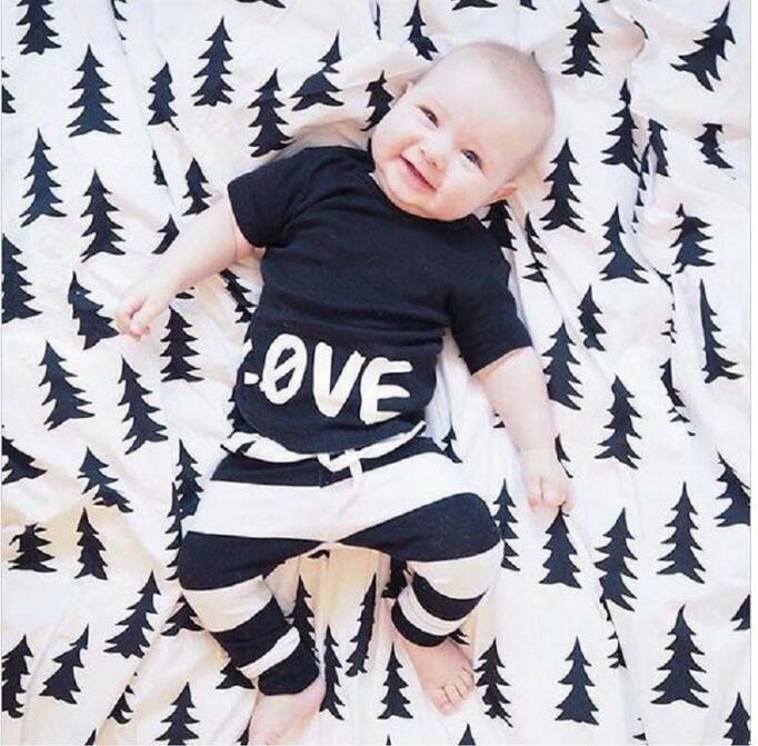 Ropa de bebé Conjuntos de algodón de la letra T-shirts pantalones negros adapta a la ropa Impreso de dos piezas de pantalones polainas Ropa BH2070