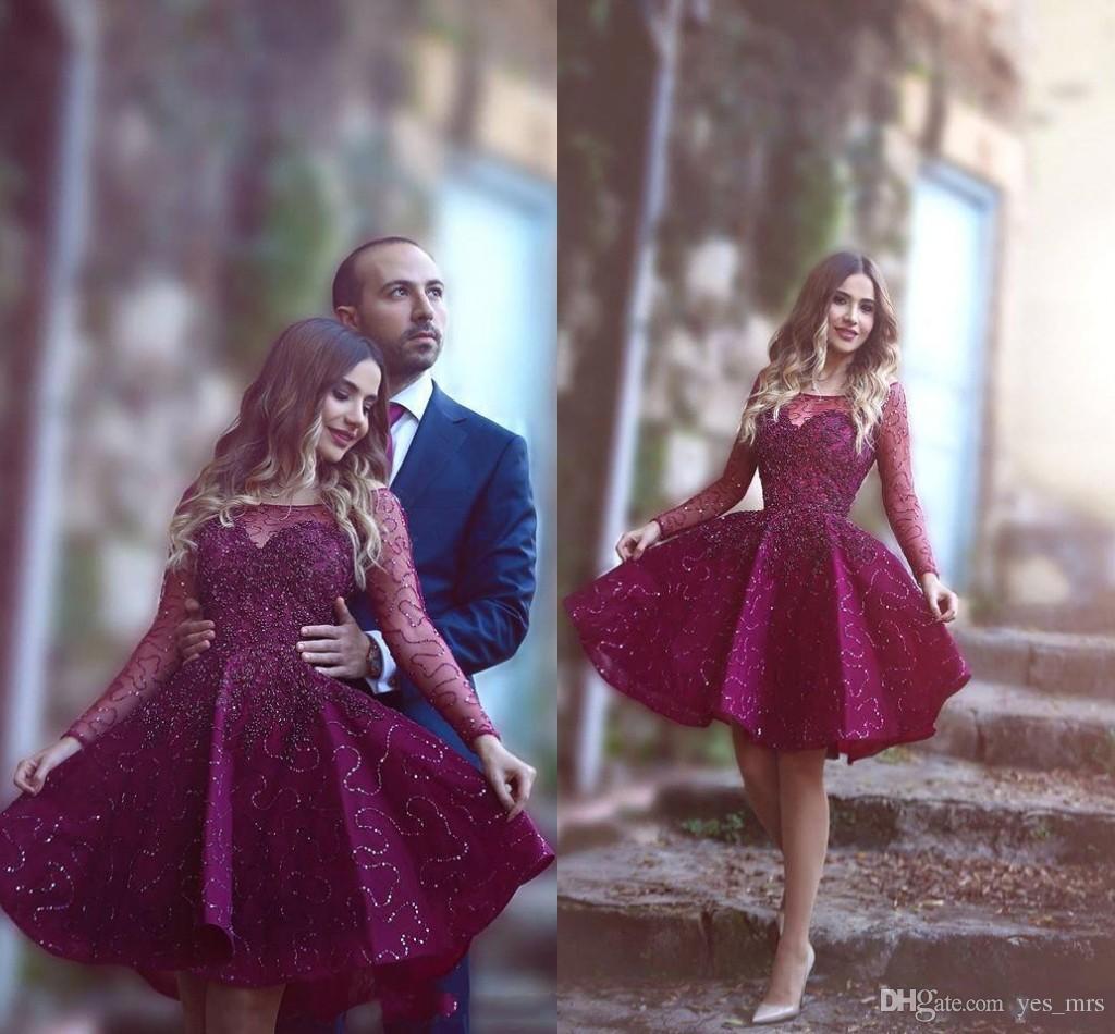 Barato 2016 vestidos curtos vestidos da ilusão de ilusão de mangas compridas Lace apliques de renda frisado Borgonha noite desgaste de baile vestido de cocktail vestido de festa