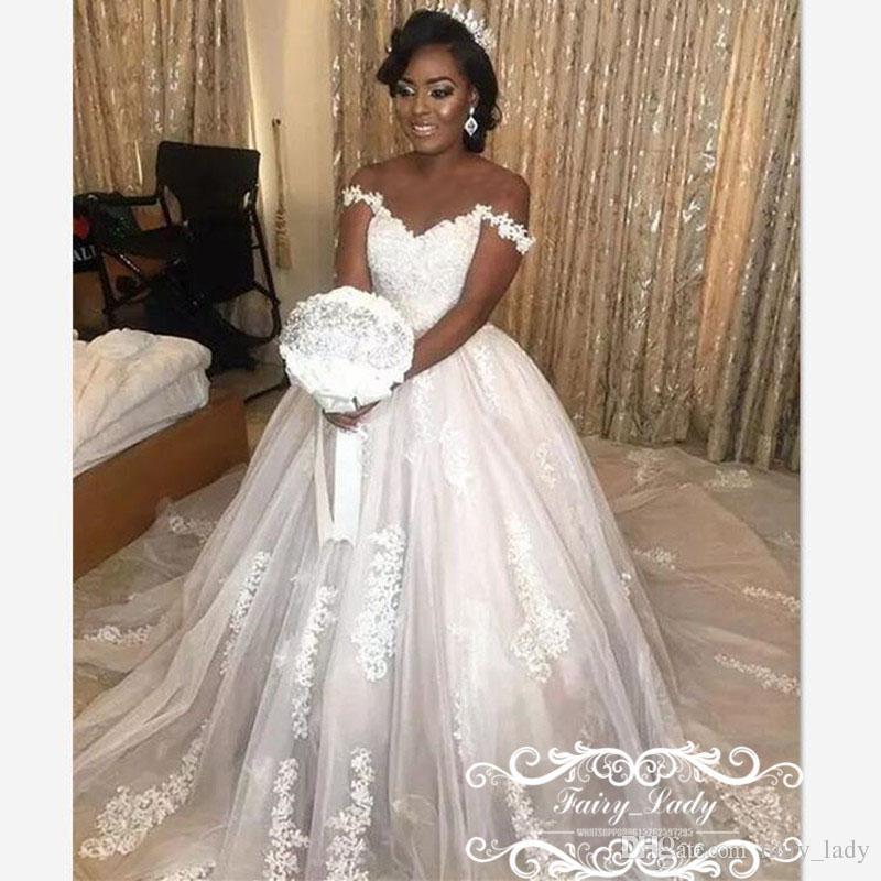 Acheter Nigeria Femmes Africaines Plus La Taille Robes De Mariage Nuptiale 2018 Dentelle Blanche 3d Appliques Florales Perles Hors De L Epaule Ball