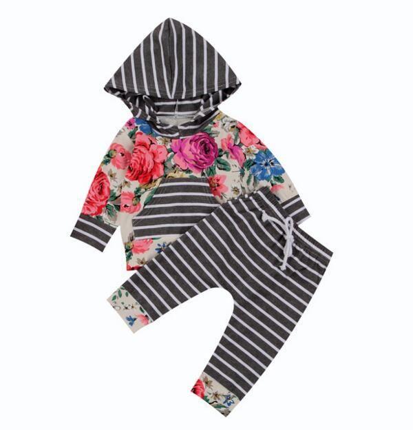 Più nuovo 2PCS Neonato Set Infantile Neonate Vestiti Set Con Cappuccio Fiore T-Shirt Top + Pantaloni A Strisce Ragazze Abiti Set Abbigliamento Per Bambini Per 0-24 M