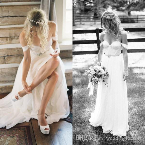 Sencillos vestidos de novia de playa Barato De alta calidad con gasa fruncida Cuello cariño Fuera del hombro Vestidos de novia con cinturón de cristal